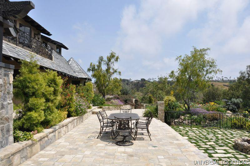 Private vineyard estate malibu wedding with stables, tennis court, canyon views, lake and vineyards. Gianna & Company has access to 4,000 private estates in greater Los Angeles.