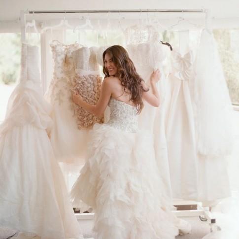 7 Wedding Dress Tips and Ideas